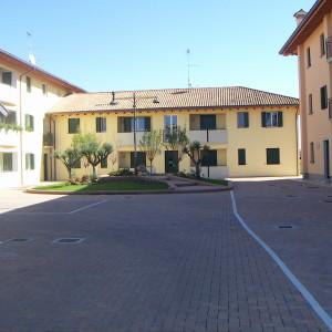 Borgo Dei Mandorli,   corte interna